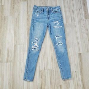 AMERICAN EAGLE 6 Hi Rise Stretch Distressed Jeans
